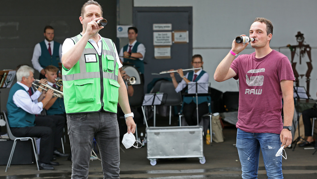 Impfen mit Blasmusik: Frühschoppen am Impfzentrum im Sauerland