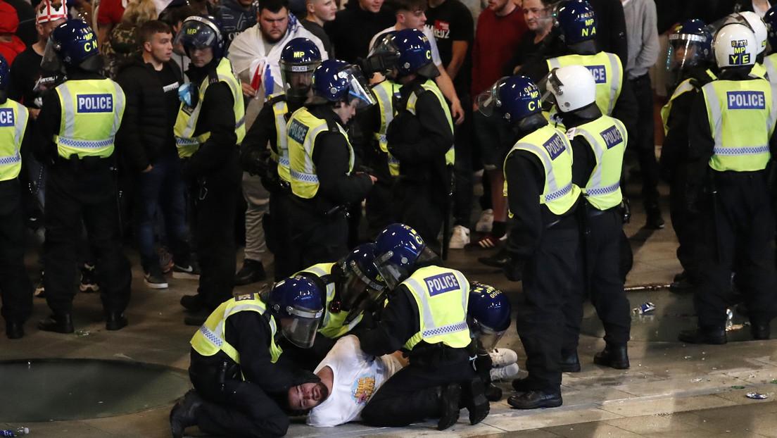 Ausschreitungen rund um EM-Finale in London: 19 Polizisten verletzt – 49 Festnahmen