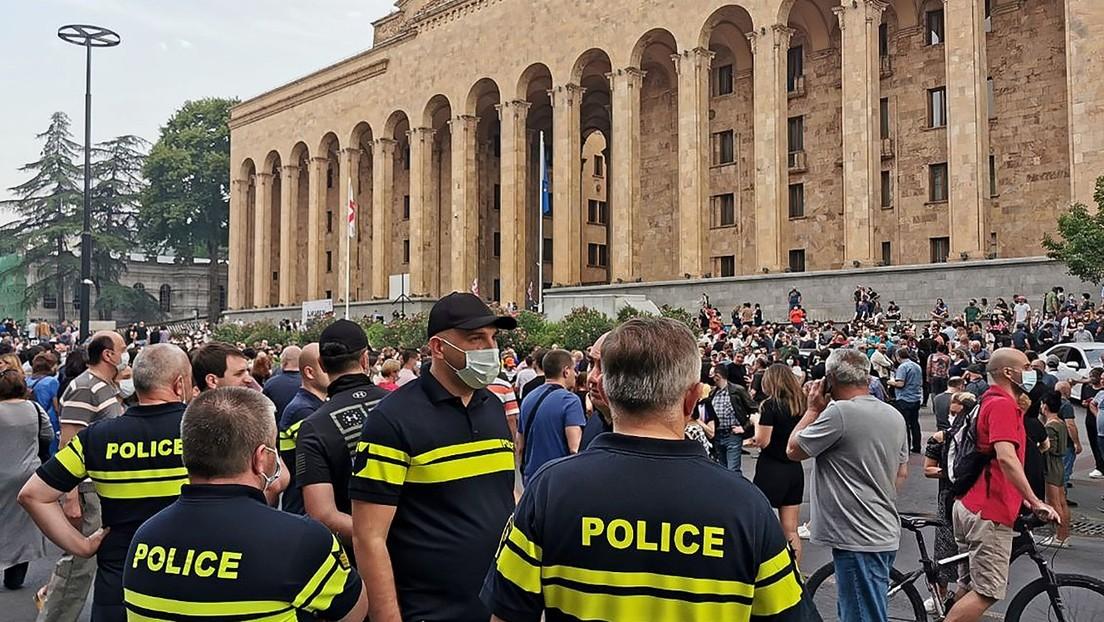 Lage in Tiflis eskaliert – Handgemenge im georgischen Parlament
