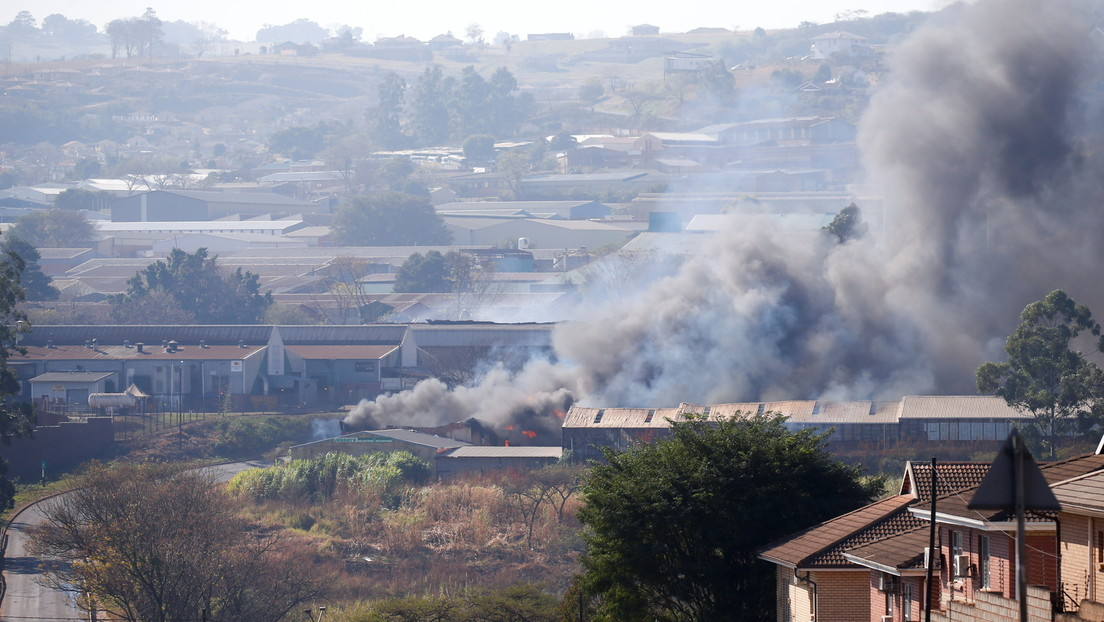 Südafrika: Militäreinsatz nach gewaltsamen Protesten samt Brandstiftung