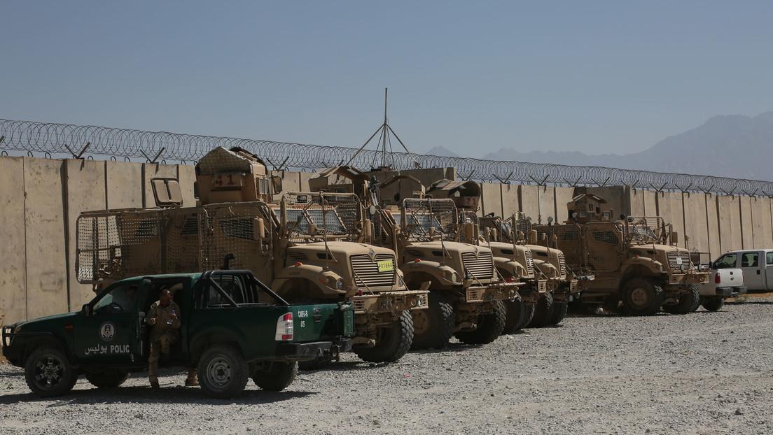 """Donald Trump kritisiert Biden: """"Taliban halten Paraden mit unseren Waffen ab"""""""
