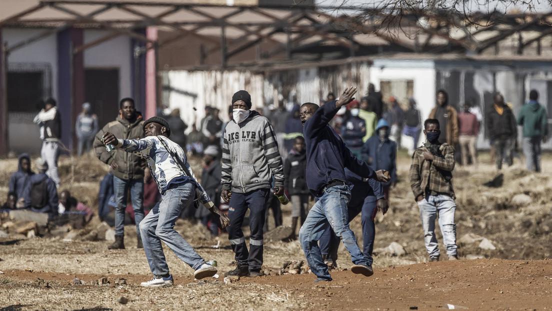 Südafrika: Gewalttätige Proteste und Plünderungen dauern an – Mindestens 72 Tote