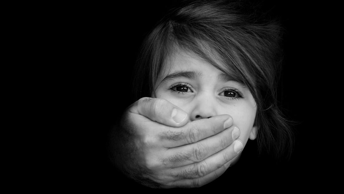 Frankreich: Familienrichter bot seine minderjährige Tochter im Internet an