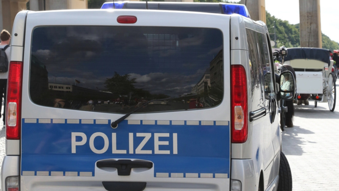 Berlin: Polizei durchsucht Wohnungen von Polizisten – Verdacht der Volksverhetzung