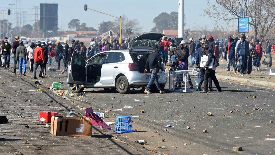 Südafrika: Über 200 Tote bei Unruhen – 25.000 Soldaten im Einsatz