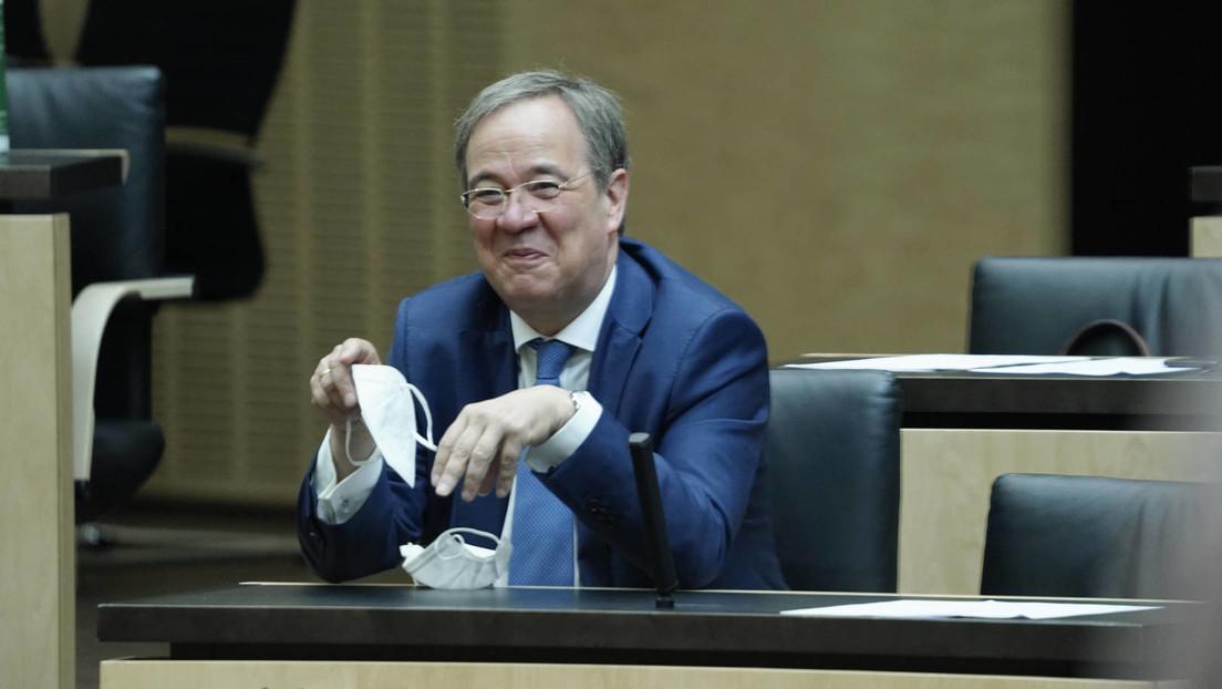 Laschet lacht – Kritik an NRW-Ministerpräsidenten nach Auftritt im Flutgebiet
