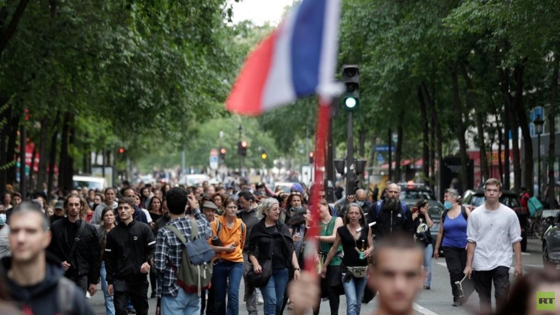 LIVE: Paris – Proteste gegen Impfpflicht und Gesundheitspass