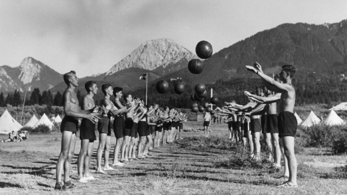 """Hitler-Team"": Ukrainische Schulbasketballmannschaft nach Nazi-Führer benannt"
