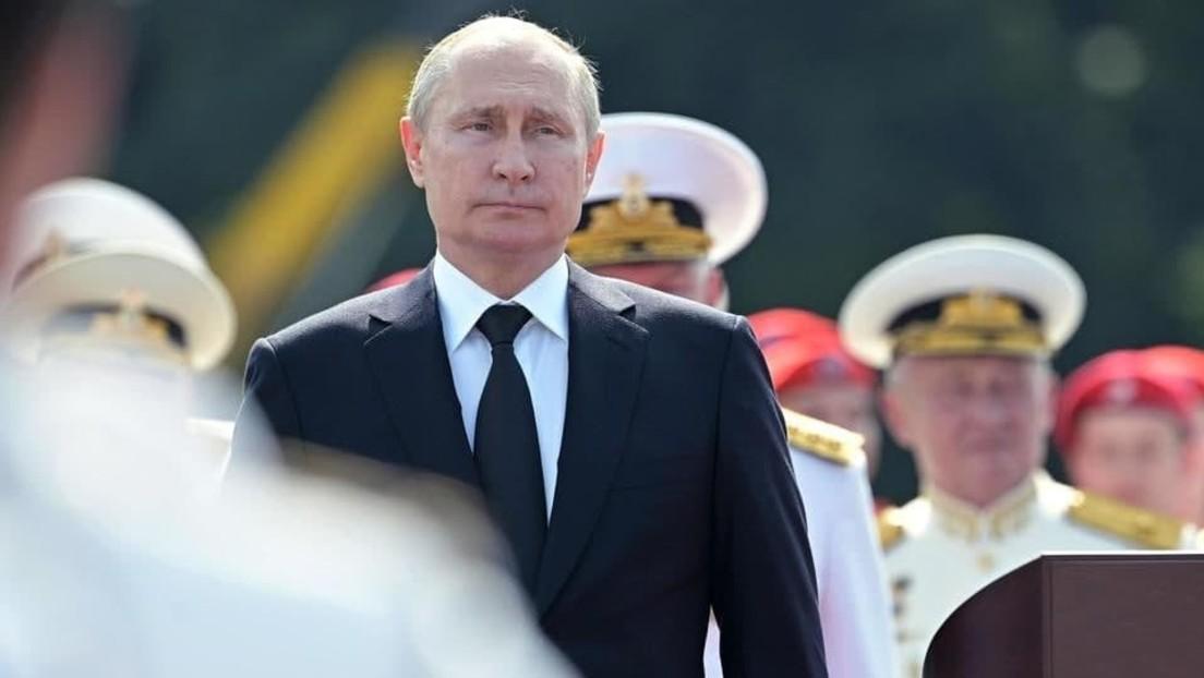 LIVE aus St. Petersburg: Putin eröffnet Parade zum Tag der Marine