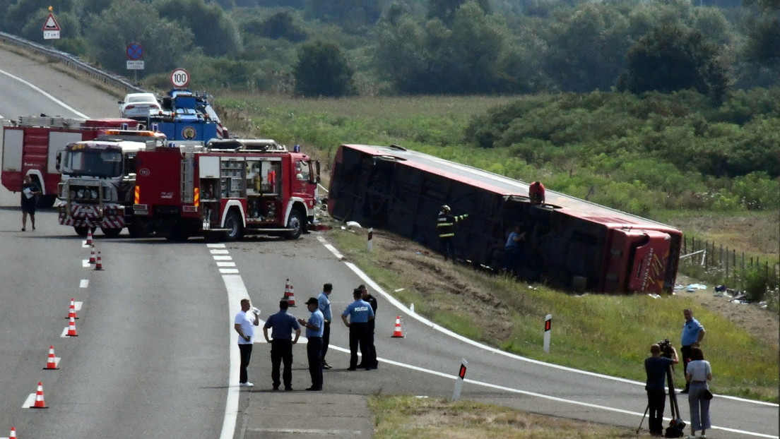 Fahrer am Steuer eingeschlafen: Tote und Verletzte bei schwerem Busunglück auf Kroatiens Autobahn