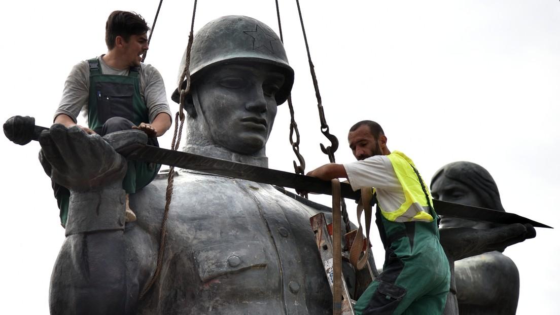Ukraine: Monument zum Sieg über den Faschismus abgerissen – Nationalisten triumphieren