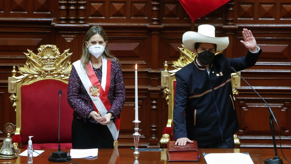 """""""Peru wird nun von einem Bauern regiert"""" – Pedro Castillo übernimmt das Präsidentenamt in Lima"""