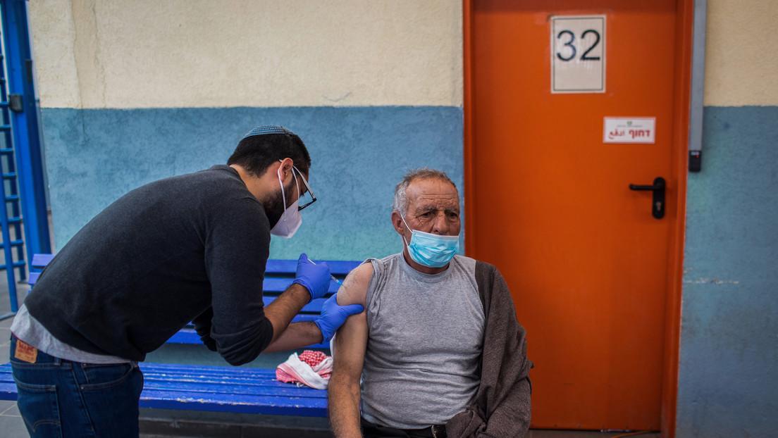 Israel startet Drittimpfung mit BioNTech/Pfizer-Impfstoff und führt Grünen Pass wieder ein