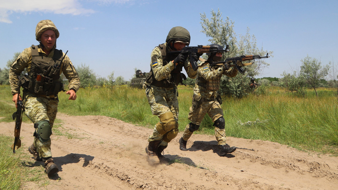 Ukraine: Präsident Selenskij befiehlt Gefechtsbereitschaft an den Staatsgrenzen