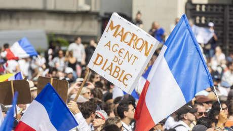 """""""Wir sind im Krieg!"""" oder: Wer ist Emmanuel Macron? Eine Spurensuche"""