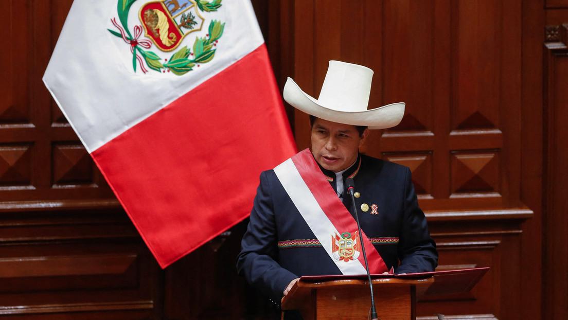 Neue Regierung in Peru steht: Präsident Pedro Castillo vereidigt Minister für Wirtschaft und Justiz