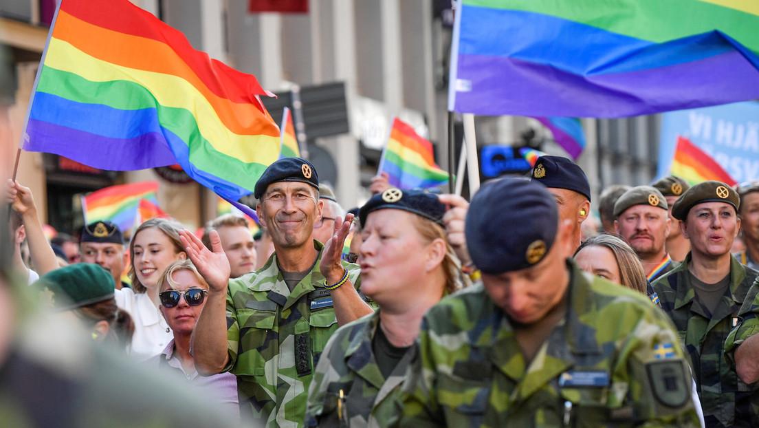 """""""Flagge, die es wert ist, verteidigt zu werden"""": Schwedens Armee schaltet Pro-LGBT-Anzeige"""