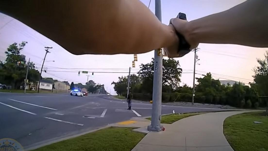 Verstörende Aufnahmen: US-Polizisten erschießen Angreifer auf offener Straße