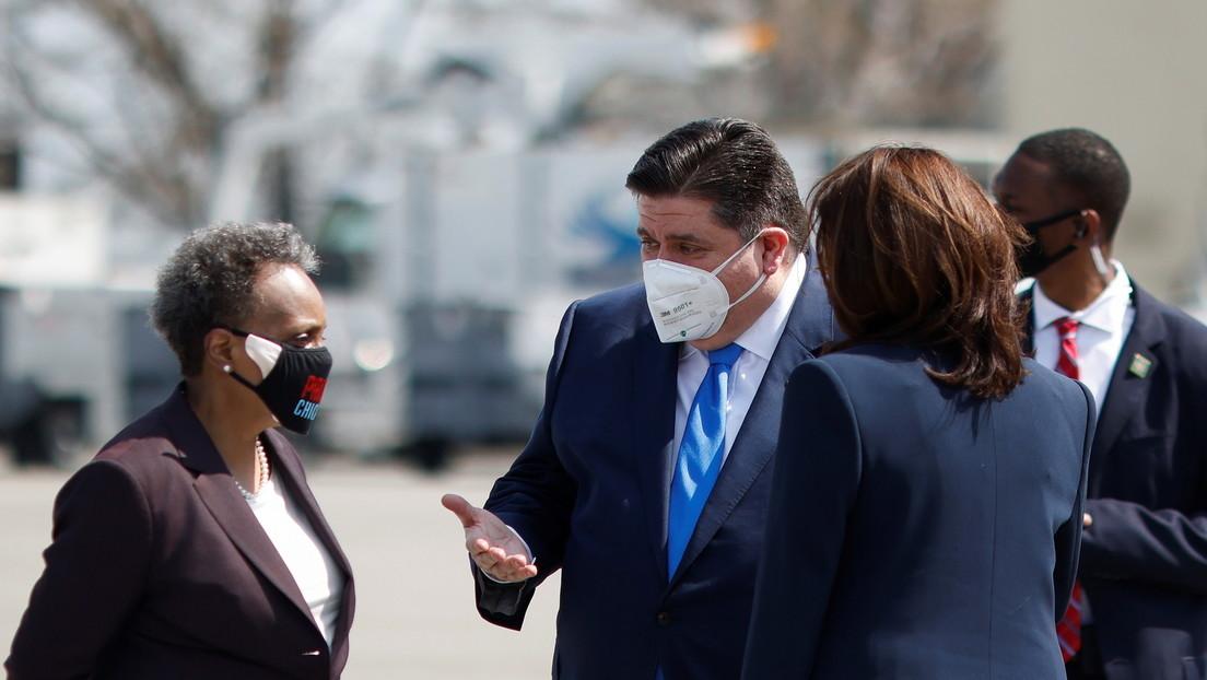 Sogar beim Hallensport: Gouverneur von Illinois ordnet Maskenpflicht für alle im Schulwesen am