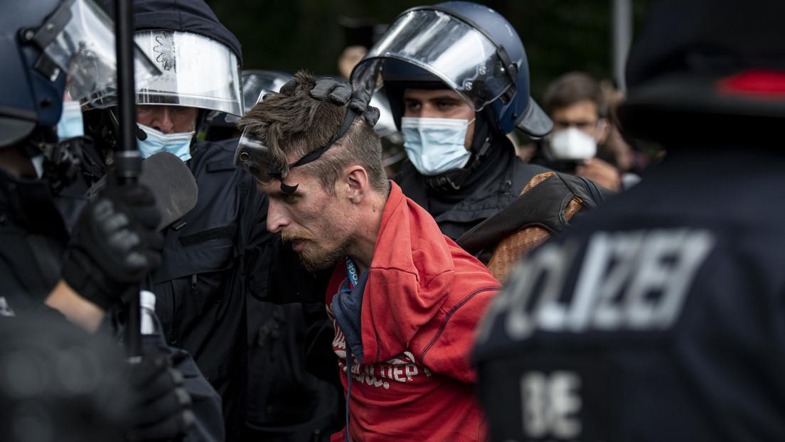 """Eskalation bei Polizeieinsatz in Berlin – Autonomes Jugendzentrum kritisiert """"massive Gewalt"""""""