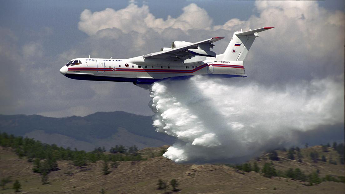 Waldbrände in Griechenland: Russland entsendet Spezialisten und weiteres Löschflugzeug