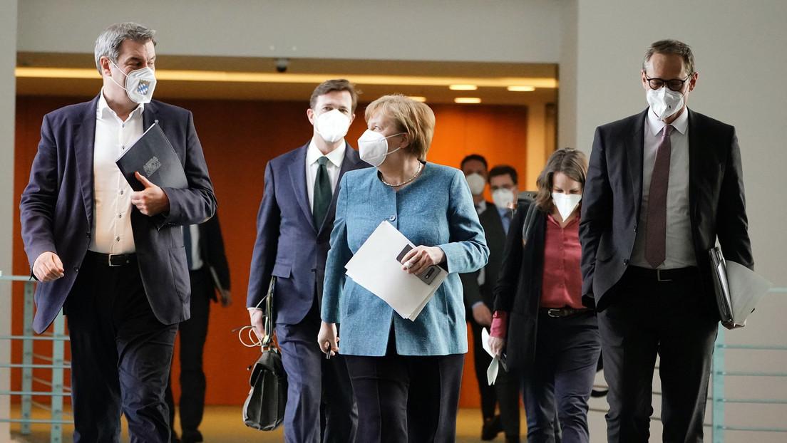 Erste Beschlüsse bei Bund-Länder-Gipfel: Testpflicht für Ungeimpfte in Innenräumen ab 23. August
