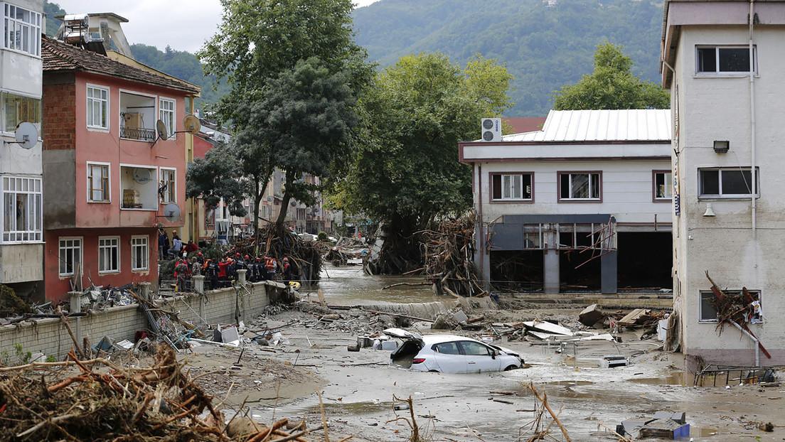 Türkei: Feuer teils unter Kontrolle – Sturzflut im Norden