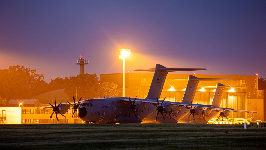 Erste Bundeswehrmaschine im Anflug auf Kabul,  Tumulte auf Flughafen erschweren Landung