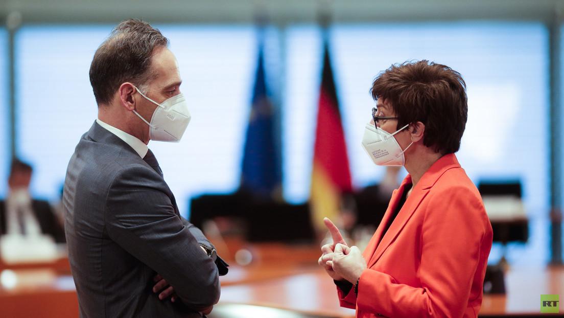 LIVE: Außenminister Maas und Verteidigungsministerin Kramp-Karrenbauer geben Pressekonferenz