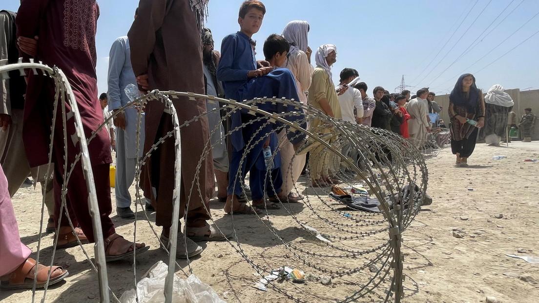 Wie viel ist ein Leben wert? Kriminelle verkaufen falsche Tickets für Evakuierungsflüge aus Kabul