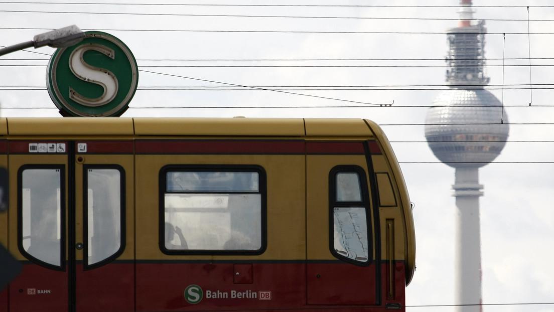 Einsteigen, zurücktreten, impfen: Berlins Bürgermeister verkündet Impfaktion im S-Bahnzug