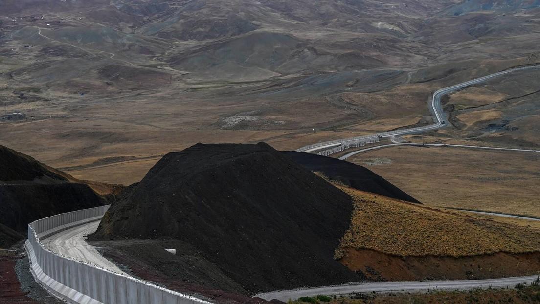 Aus Angst vor Zustrom afghanischer Flüchtlinge: Türkei baut Mauer an der Grenze zu Iran