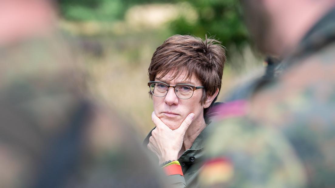 Edles Motiv oder nur Harakiri mit Ansage? Verteidigungsministerin will Kopf hinhalten