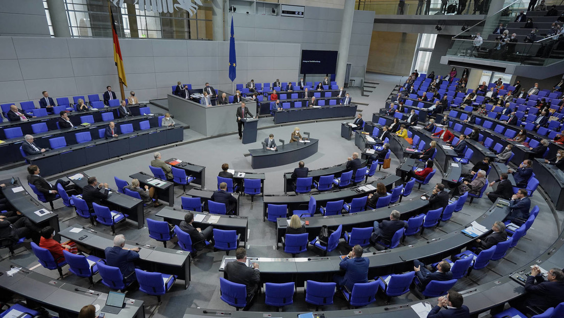"""Bundestag verlängert """"epidemische Lage von nationaler Tragweite"""""""