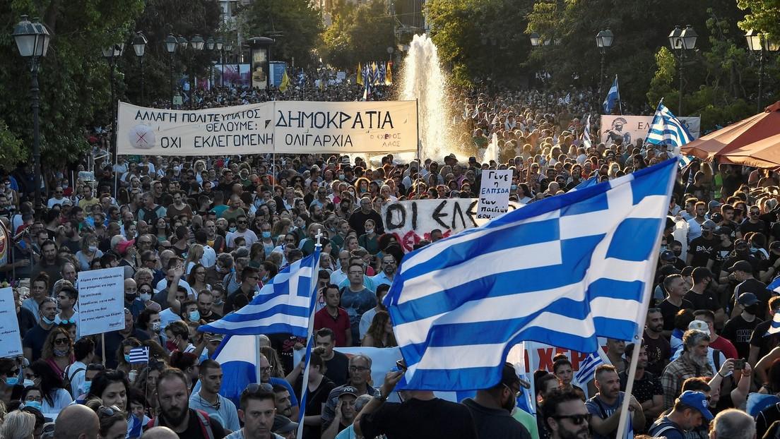 Griechenland: Tausende protestieren gegen Pflichtimpfung von Mitarbeitern im Gesundheitswesen