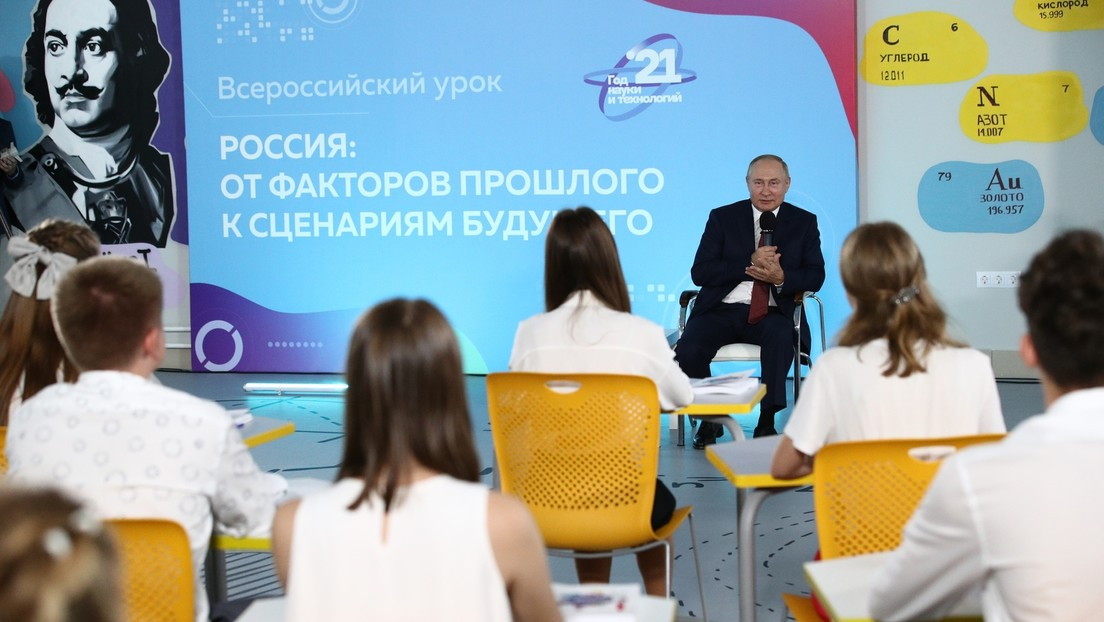 Ehrlich oder frech? Putin verwechselt zwei Kriege – Schüler korrigiert ihn
