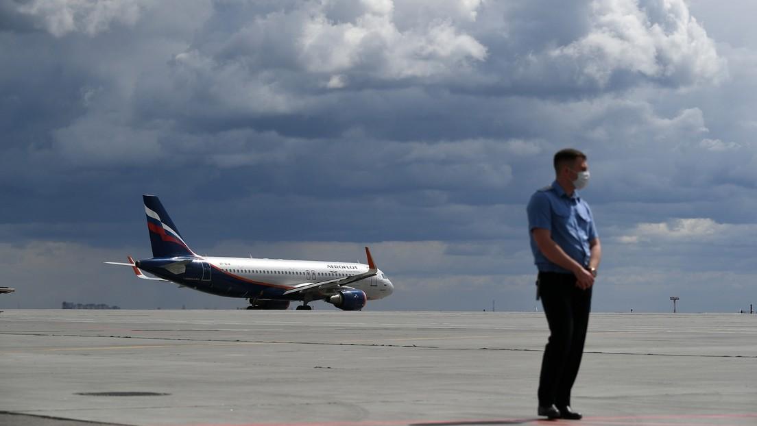 Fluggesellschaft Aeroflot suspendiert Piloten wegen Ablehnung einer COVID-19-Impfung