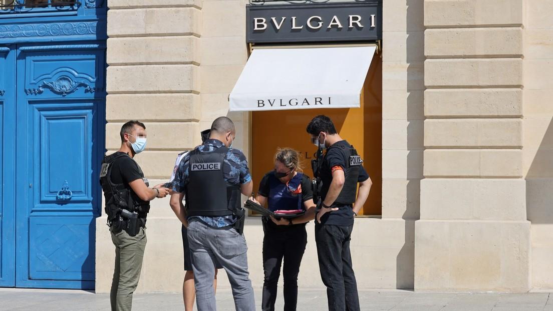 In feinen Anzügen und mit Waffe: Täter berauben Bulgari-Geschäft in Paris