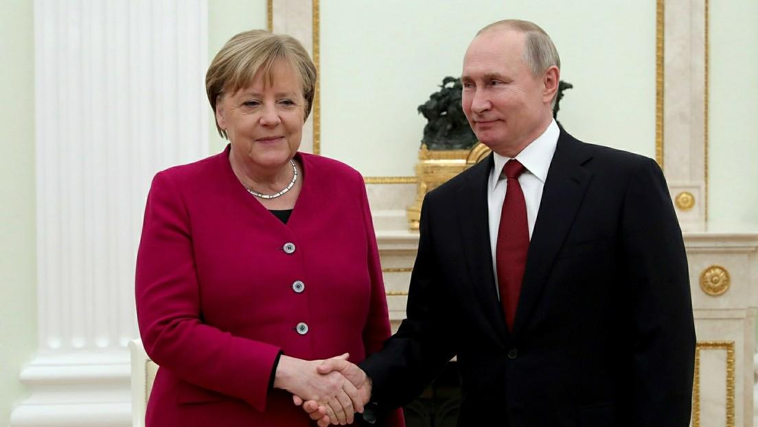"""""""Viel Porzellan zerschlagen"""" –  Merkels aggressive Politik gegenüber Russland"""