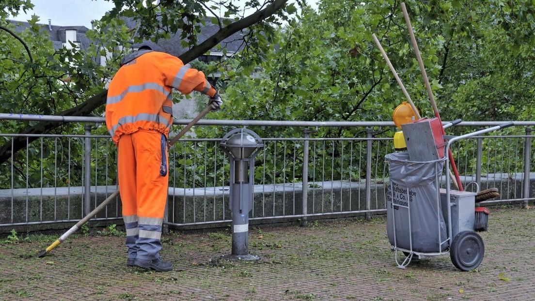 Langzeitarbeitslose wieder eingliedern: CDU will sie zu Laubfegen und Müllsammeln verpflichten
