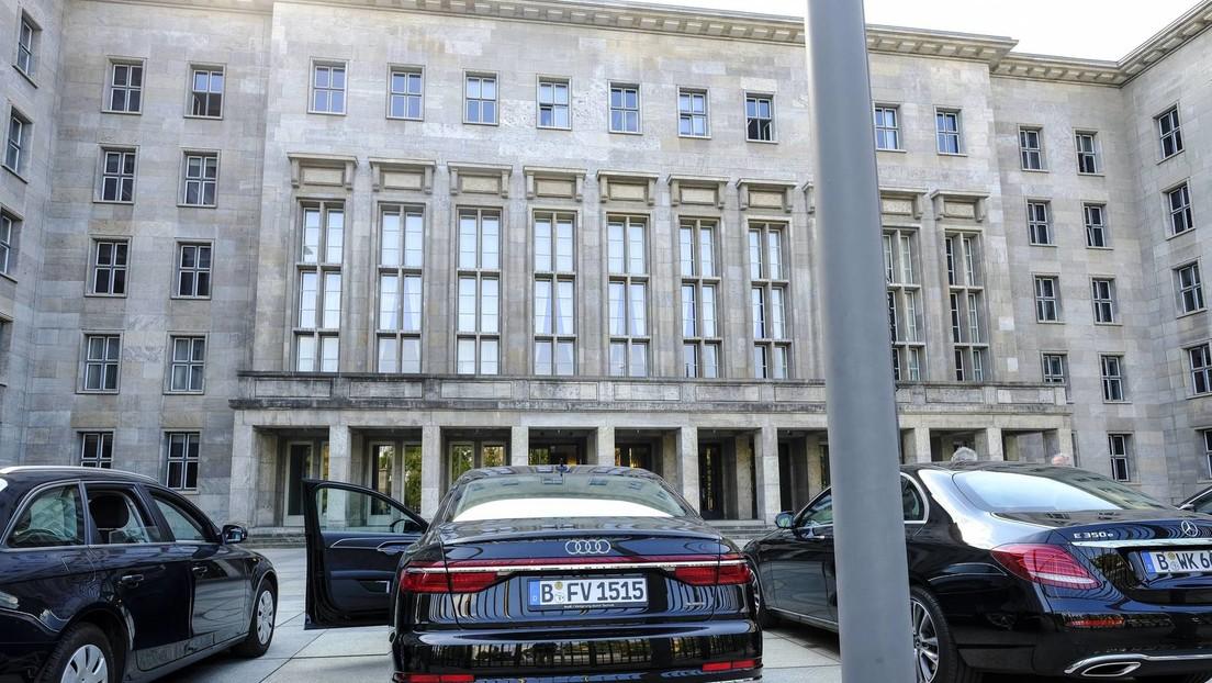 Verdacht auf Geldwäsche: Polizei und Staatsanwaltschaft durchsuchen mehrere Bundesministerien