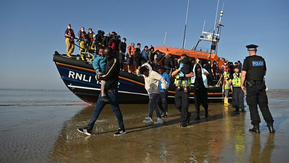 """London genehmigt """"Push-Back"""" von Migranten im Ärmelkanal"""