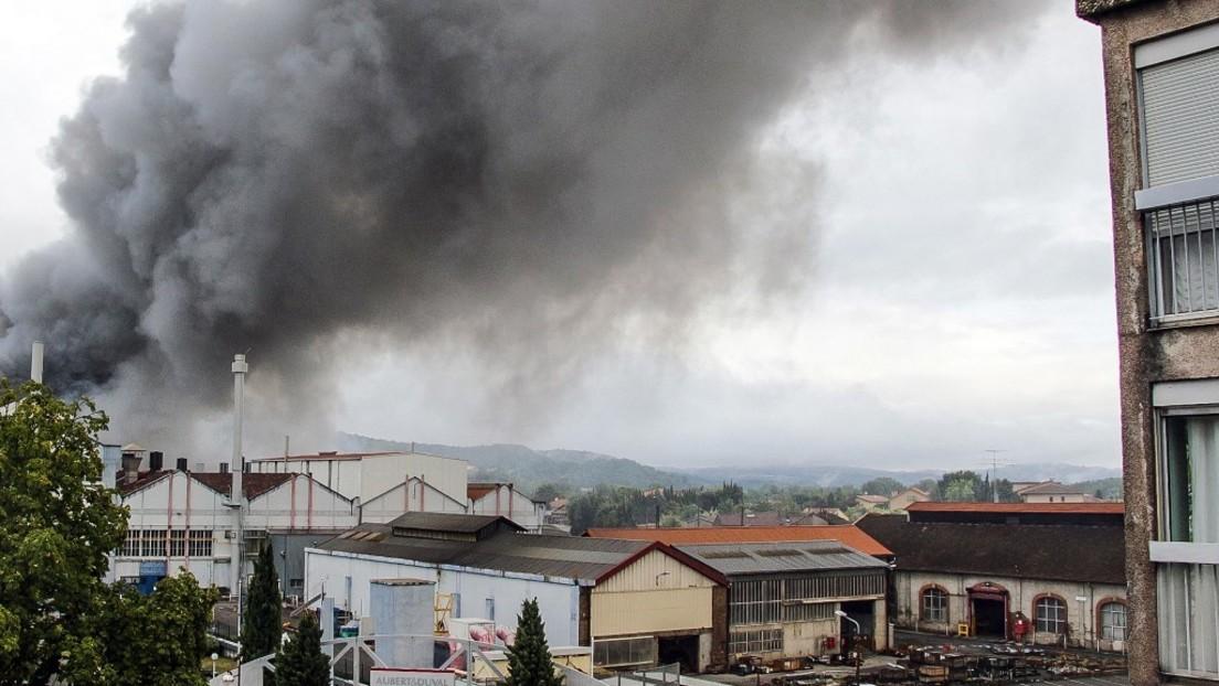 Frankreich: Brand in Fabrik in Pamiers – Anwohner sollen in den Häusern bleiben