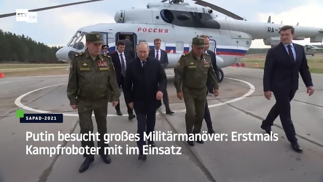 Putin besucht großes Militärmanöver: Erstmals Kampfroboter mit im Einsatz