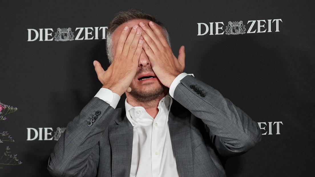 """Umstrittener Satiriker Böhmermann erhält Fernsehpreis für """"ZDF Magazin Royale"""""""