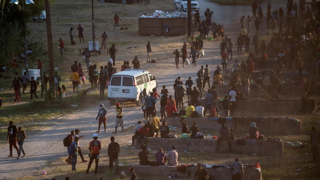 """Texas schließt Grenzübergänge: Wir müssen verhindern, dass Migranten """"unseren Staat überrennen"""""""