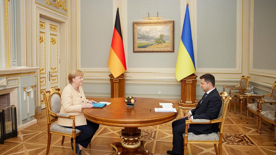 """Ukrainischer Präsident Selenskij verleiht Merkel Orden für Stopp der """"russischen Invasion"""""""