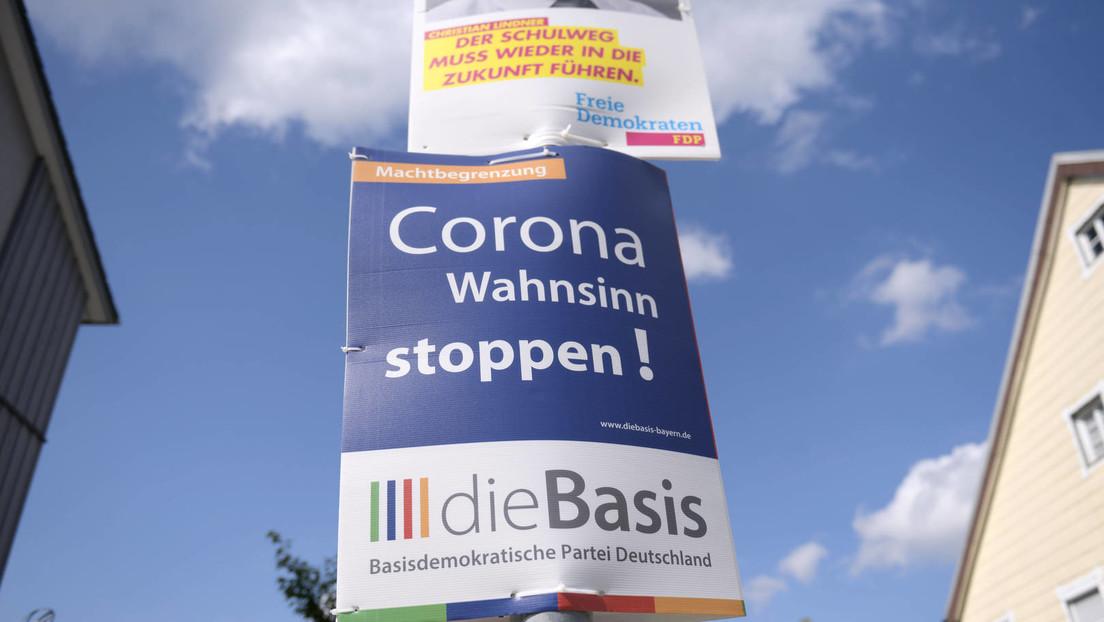 """Brutaler Wahlkampf in Berlin: Wahlkampfhelfer (64 und 70) der Partei """"Die Basis"""" schwer attackiert"""
