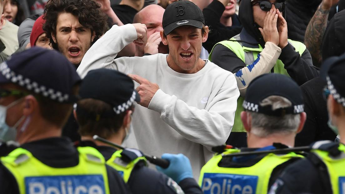 Australien: Demonstranten durchbrechen Polizeikette – trotz Gewaltandrohung und Pfeffersprayeinsatz