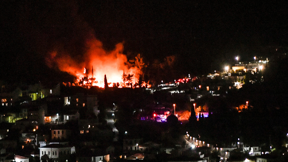 Griechenland: Brand verwüstet Flüchtlingslager auf der Insel Samos